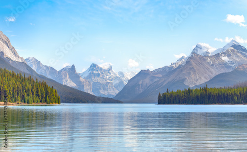 Valokuva  Maligne Lake in Jasper national park, Alberta, Canada