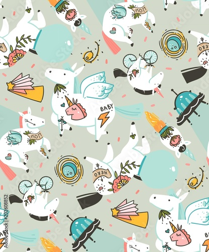 Stoffe zum Nähen Hand gezeichnet Vektor abstrakte grafische kreative Cartoon Illustrationen Musterdesign mit Kosmonauten Einhörner mit Oldschool Tattoo, Pagasus und Raumschiff im Kosmos auf Pastell Hintergrund isoliert