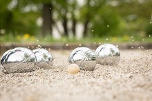 Boule-Spiel Mit Kugeln Und Fliegenden Steinen