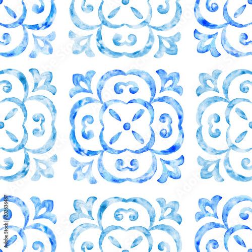 recznie-rysowane-akwarela-ornament-niebieski-wzor-vintage-powtarzajac-tlo-antyczna-tapeta-ilustracja