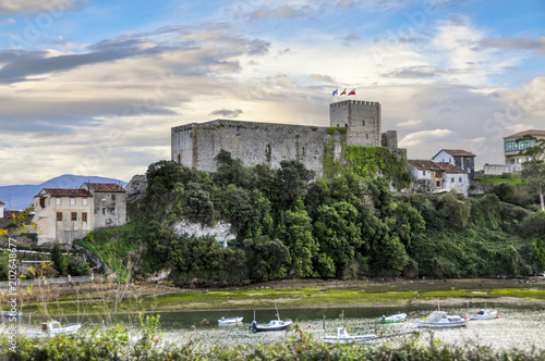 Fotografía Castle of the King, built in the Early Middle Ages, Cantabria, Northern Spain