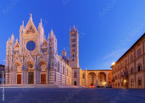 Fotografía Siena. Cathedral at sunset.