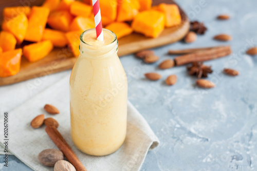 Smoothie with pumpkin and almond