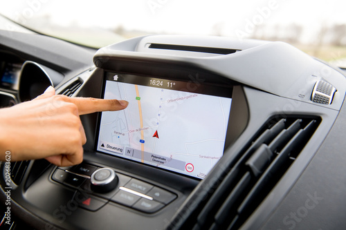 Fotografia  Navigationssystem im PKW