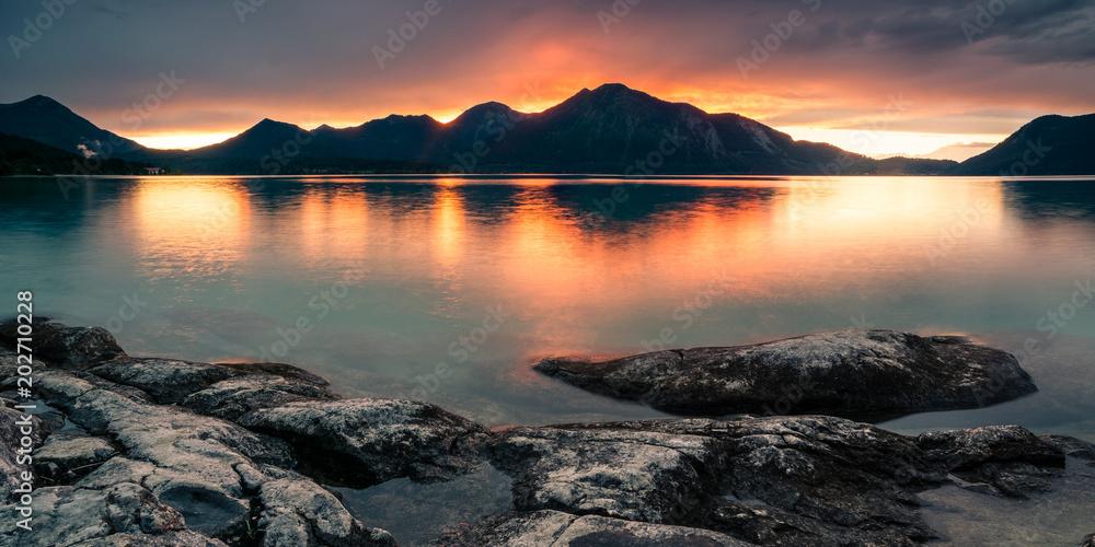 Fototapety, obrazy: Sonnenuntergang am Walchensee in den Alpen in Deutschland