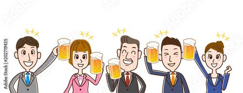 ビールで乾杯するサラリーマンチーム Fototapet