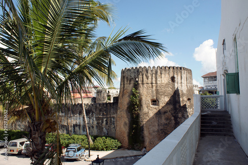 Staande foto Zanzibar Festungsturm in Stonetown, Sansibar