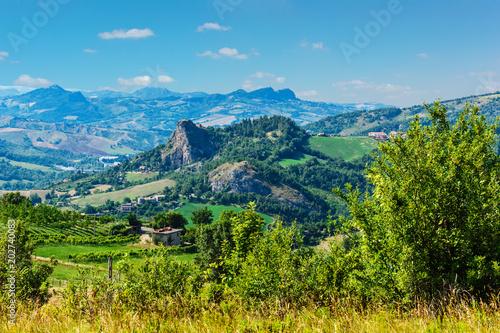 Foto op Aluminium Blauw Typical Italian landscape in Tuscany