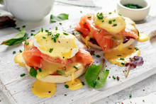 Eggs Benedict On English Muffi...