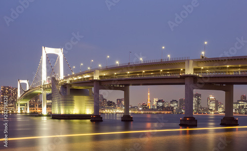 Keuken foto achterwand Stad gebouw Tokyo rainbow bridge ans Toky Tower in evening