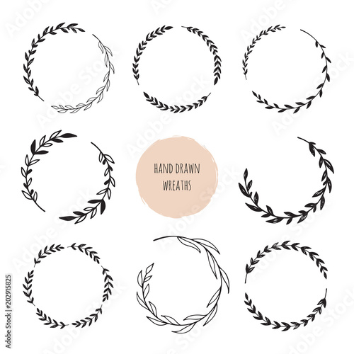 Photo  Hand drawn wreaths set