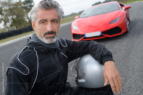 Photo  fast car driver