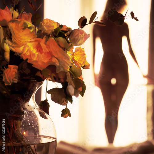 Küchenrückwand aus Glas mit Foto womenART Sensual blonde at the window