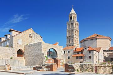 Zvonik katedrale Svetog Doima u Splitu, Hrvatska.