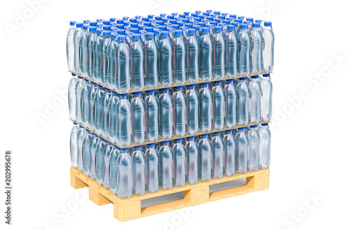 Photo  Wooden pallet with water bottles wrapped in the shrink film, 3D rendering