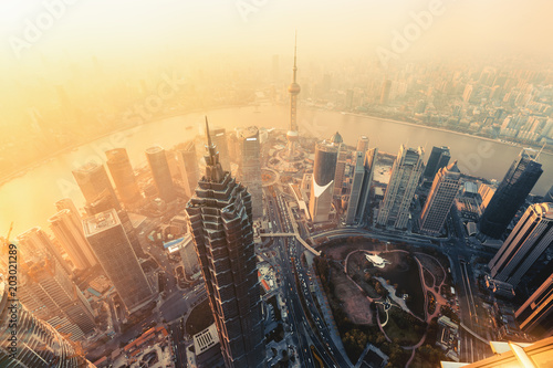 Poster Aziatische Plekken Shanghai aerial view at sunset
