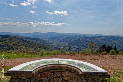 Papiers peints Cappuccino Table d'orientation sur un sommet des Vosges