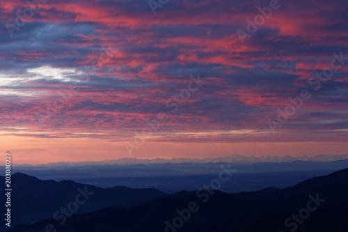 Foto op Plexiglas Crimson Lever du soleil dans les Vosges