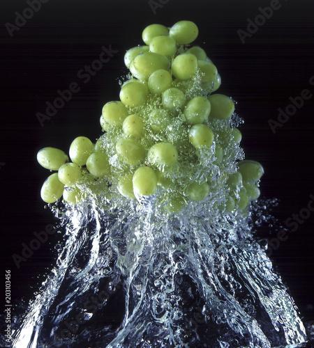 winogrona-w-wodzie