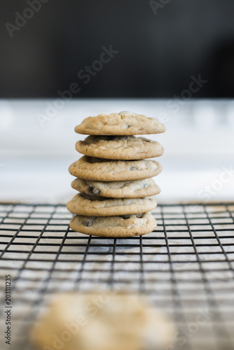 Foto op Aluminium Koekjes Stack of cookies on cooling rack