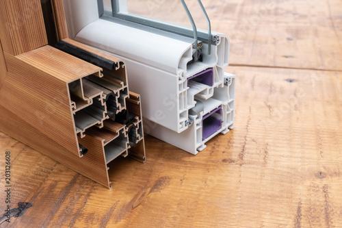 Profili In Alluminio E Pvc Selezione Di Alluminio Per Finestre E Porte Su Tavolo Di Legno Stock Photo Adobe Stock