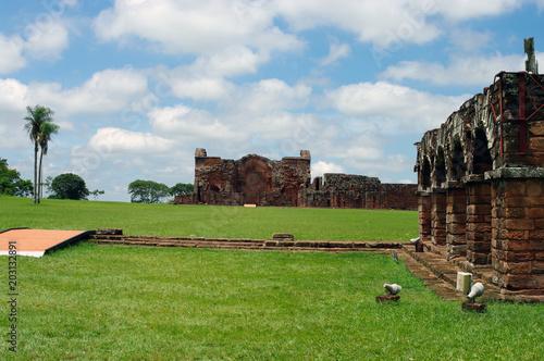 Foto op Canvas Zuid-Amerika land Façade d'une des missions jésuites guaranies