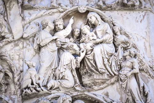 Detail of the facade of the Duomo of Orvieto, Italy Tablou Canvas