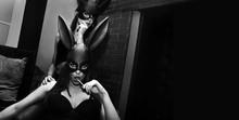 Party Girls Mit Hasen Maske Im Club  FLYER