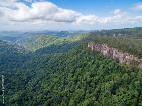 Tuinposter Groen blauw Forested mountains and rugged cliffs at Springbrook National Park, Queensland, Australia