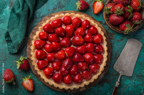 Photo  delicious strawberry tart