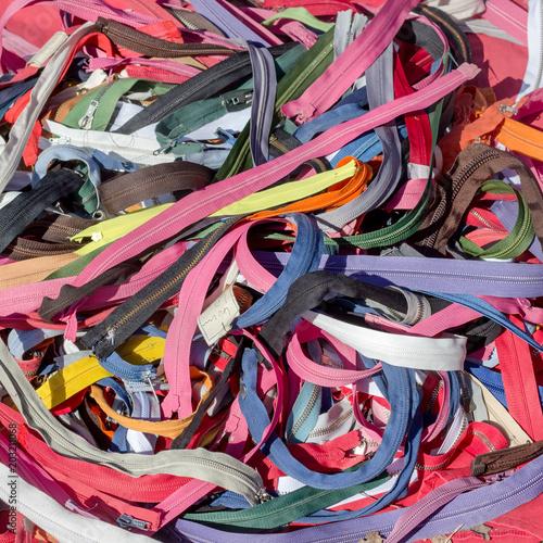 Foto op Plexiglas Paradijsvogel zipper in different colors