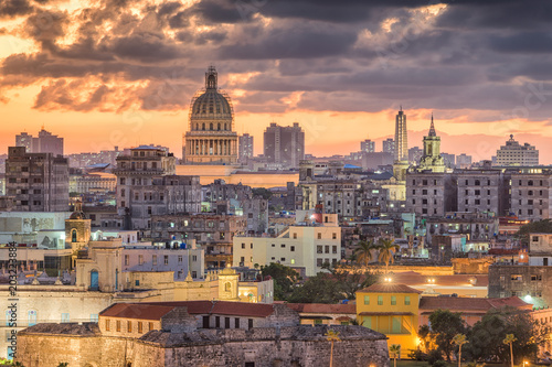 Poster de jardin Havana Havana, Cuba downtown skyline.