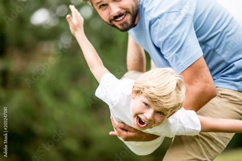 Fotografia  Boy with vitality laughing with joy