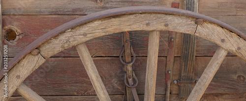 Cuadros en Lienzo Pioneer' s Wagon wheel