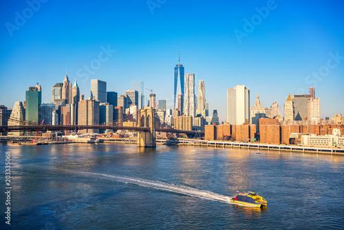 Foto auf Leinwand Brooklyn Bridge Brooklyn bridge and Manhattan at sunny day, New York City