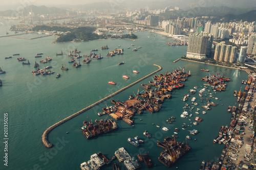 Poster Poort Aerial view on harbour in Hong Kong