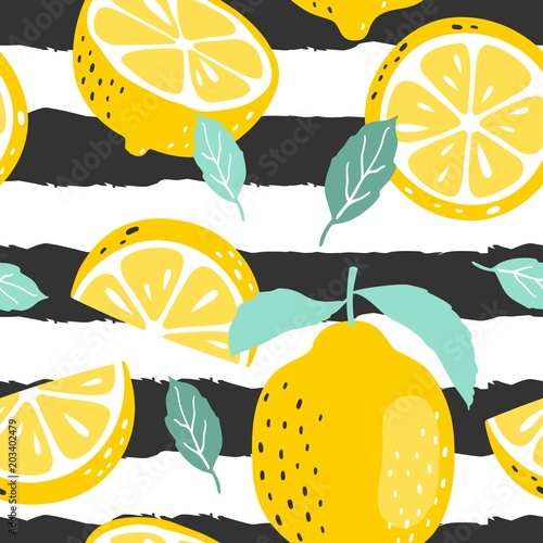 fototapeta na ścianę Seamless summer pattern with slices and whole lemons. Vector illustration.