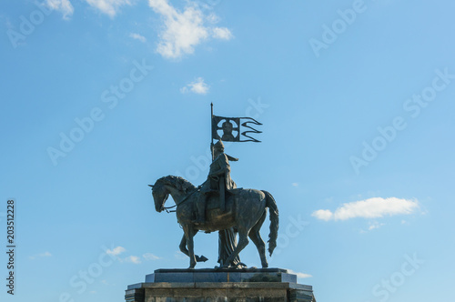Deurstickers Historisch mon. bronze statue of Prince Vladimir on a horse and St. Theodore