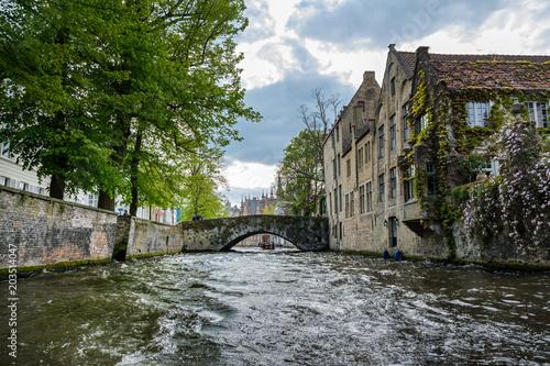 In de dag Brugge Brügge Grachtenfahrt