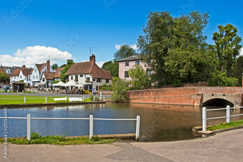 Photo English village with pond