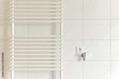 Heizung Badezimmer Handtuchhalter Buy This Stock Photo And