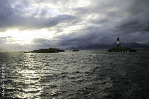 Fototapety, obrazy: Leuchtturm am Ende der Welt