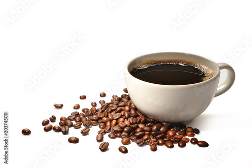 Poster Salle de cafe Cup of coffee and coffee beans isolated on white background
