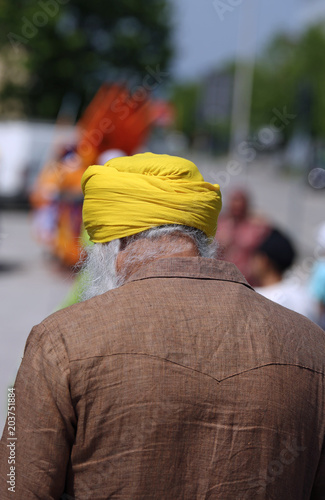 Foto op Aluminium Asia land old man with yellow turban with white beard