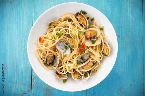 Fotografía  Piatto di spaghetti con vongole, Cucina Mediterranea