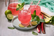 Refreshing Summer Rhubarb Lemo...