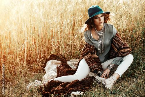 Poster Gypsy woman in field