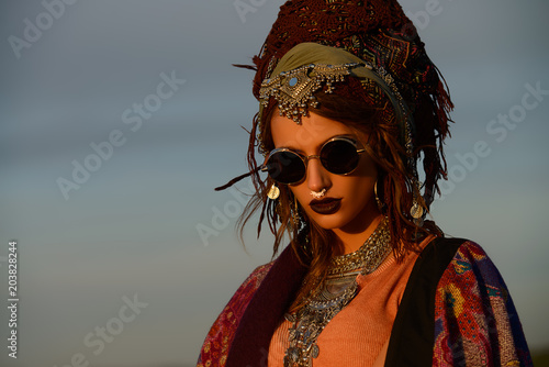 Photo sur Aluminium Gypsy gypsy female style