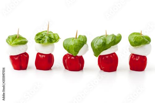 Acrylic Prints Appetizer Zutaten von Insalada Caprese auf Weiß