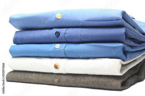 Photo camisa planchada y doblada en tintoreria